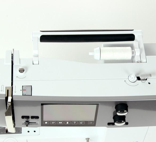 šicí a vyšívací stroj Bernina 570 QE-5