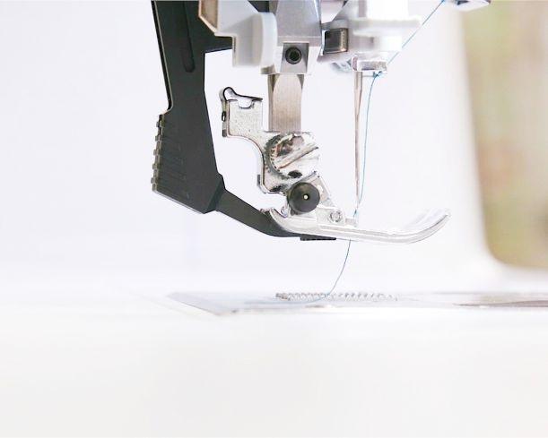 šicí a vyšívací stroj Bernette 79-6