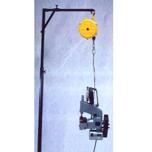 závěsný balancer na šičku pytlů 5-7kg-1