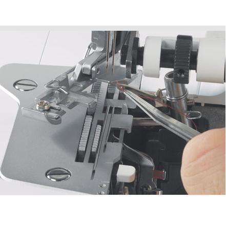 overlock a coverlock Bernina 1300MDC + kvalitní nitě ZDARMA-1
