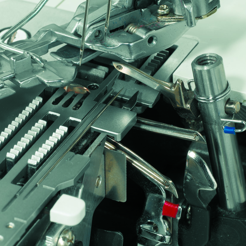 overlock a coverlock Bernina 1300MDC + kvalitní nitě ZDARMA-5