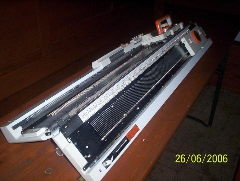 pletací stroj dvojlůžkový NOVAKNIT-Brother KH-160 + KR-160  s intarsia funkcemi, 168jehel 6mm, síla příze 2-4,5-2