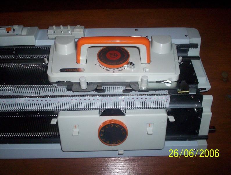 pletací stroj dvojlůžkový NOVAKNIT-Brother KH-160 + KR-160  s intarsia funkcemi, 168jehel 6mm, síla příze 2-4,5-3
