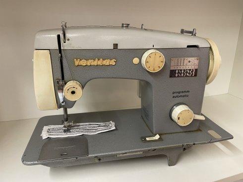 repasovaný šicí stroj Veritas 8014-35-2 v kufru