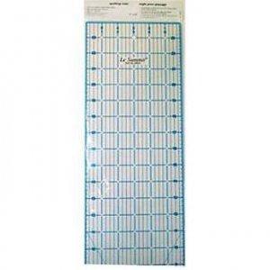 patchworkové pravítko 6x24 palců modročerné rysky