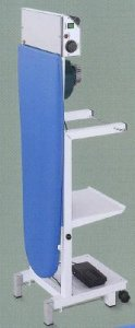 stabilní žehlící prkno Comel Comelux A -odsávání 120W, vyhřívání s termostatem.-